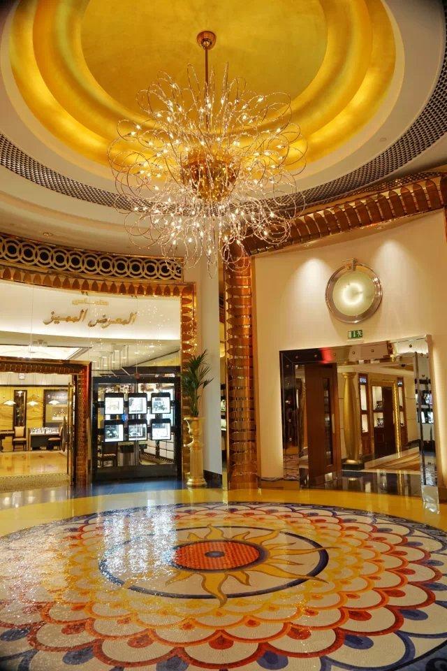 伯瓷的内部装饰设计由香港室内设计师周娟带领的团队承担.图片