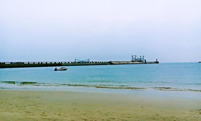 北海辰茂海滩酒店logo