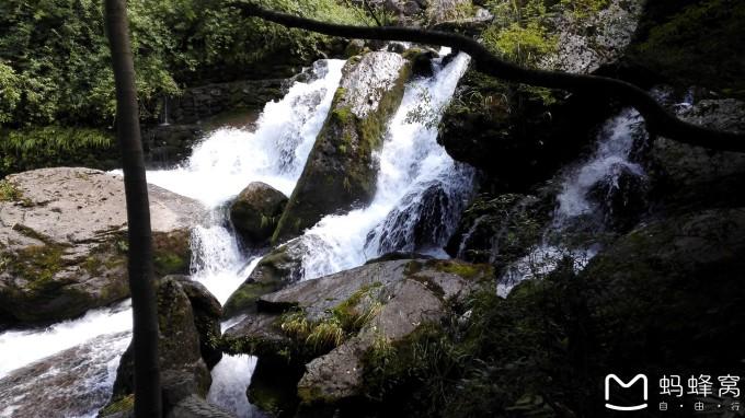 壁纸 风景 旅游 瀑布 山水 桌面 680_382