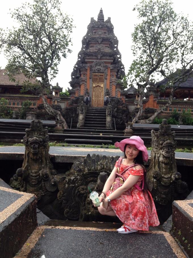 象窟是巴厘岛唯一的石窟寺院遗址,始建于11世纪,距今已经有差不多一千